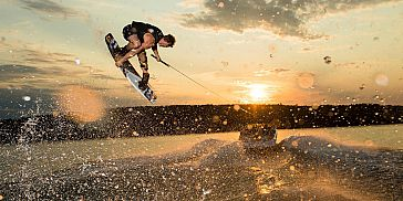 Wakeboarding in Pointe d'Esny