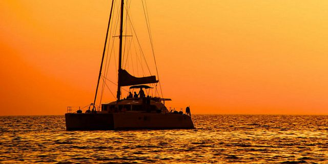Private catamaran sunset cruise with dinner black river (1)