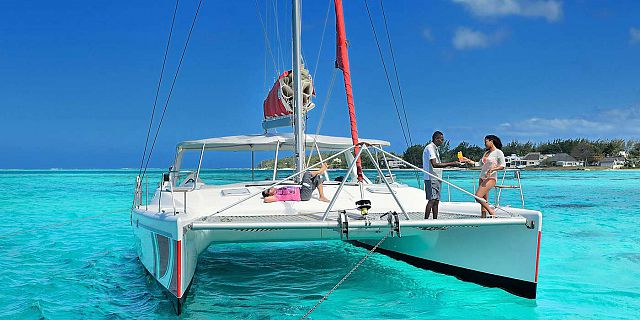 Catamaran cruise preskil resort
