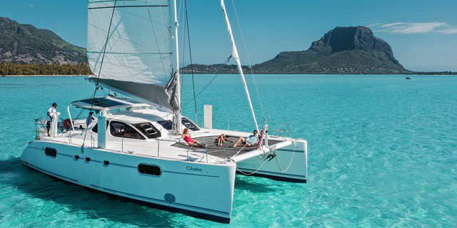 Day shared luxury catamaran cruise along west north coasts (01)