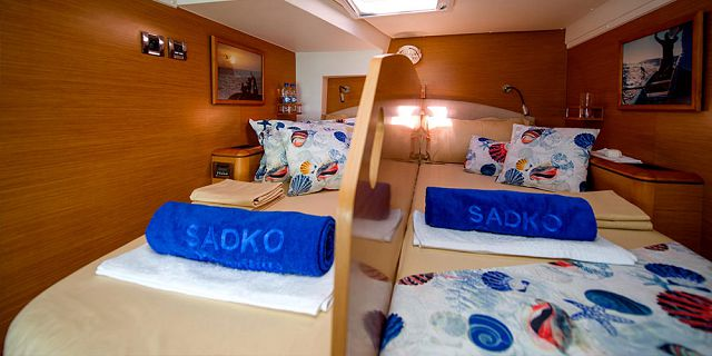 Overnight private luxury catamaran cruise (8)