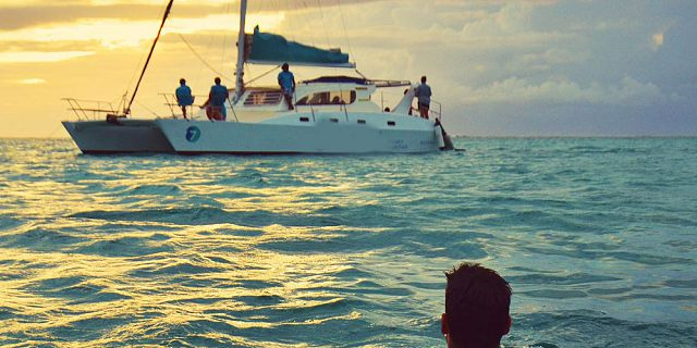 Private catamaran 2 hours sunset cruise west coast (8)