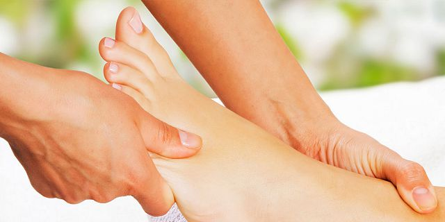 Traditional foot reflexology treatment 40 mins (1)