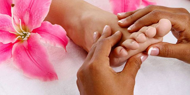 Traditional foot reflexology treatment 40 mins (5)