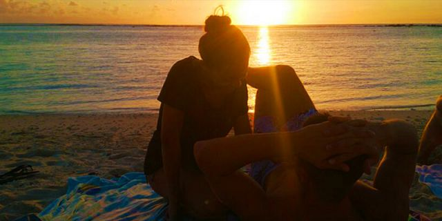 Romantic couples sunset boat trip with beach dinner (4)