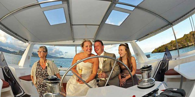 Catamaran sunset cruise in mauritius (1)