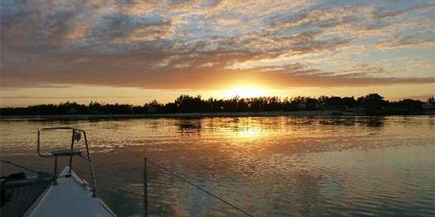 Catamaran sunset cruise in mauritius (4)