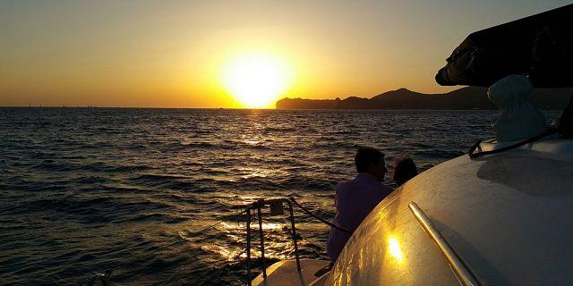 Catamaran exclusif 2 heures coucher de soleil c te ouest - Heure coucher soleil lille ...