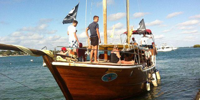 Croisi re en bateau pirate sur l ile aux cerfs vacances - Photo de bateau pirate ...