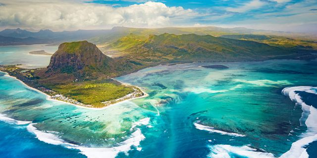 Mauritius underwater waterfall helicopter tour exclusive (2)